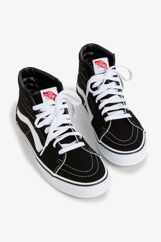 89daa7f3446 Front image of Monki vans sk8 hi in black Zapatos Gucci