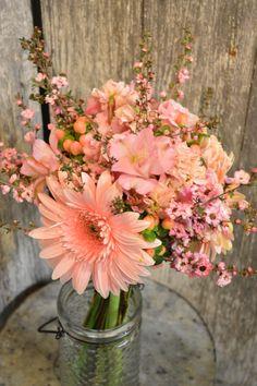 Pink Gerbera Hand Held Bridal Bouquet by Twig Floral Designs, Carbondale, Illinois www.twig-designs.com Jonathan Reiman, Designer