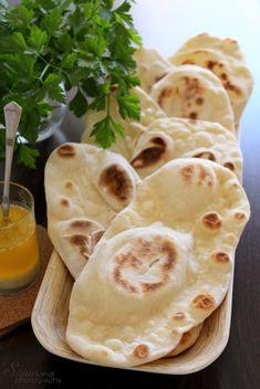 Indian Food Recipes, Vegetarian Recipes, Healthy Recipes, Ethnic Recipes, Bread Dough Recipe, Snacks Für Party, Naan, Winter Food, Food Videos