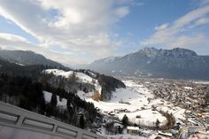 Blick von der Skisprungschanze Garmisch-Partenkirchen, Schanzenführung