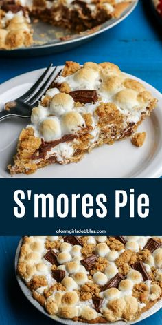 S'mores Pie from afarmgirlsdabbles. - This s'mores recipe is gooey and chocolatey and utterly delicious. Enjoy the flavors of your favorite summertime treat any time of year. No campfire required! Smores Dessert, Smores Pie, Smores Recipe, Dessert Pizza, Pie Recipes, Baking Recipes, Dessert Recipes, Recipes Dinner, Potato Recipes