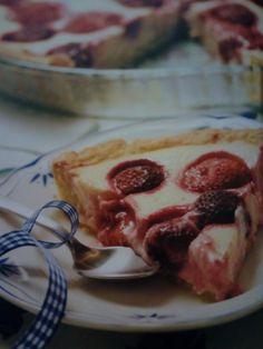 Mansikkainen rahkapiirakka - Resepti | Kotikokki.net