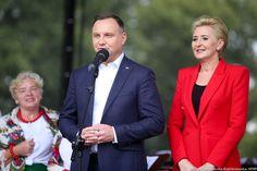 Agata Duda fot. prezydent.pl Snapchat, Suit Jacket, Breast, Blazer, Jackets, Youtube, Women, Fashion, Down Jackets