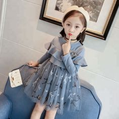 kids 2019 new children's clothing girls spring and autumn princess dress children stitching long-sleeved lace gauze dress Girls Spring Dresses, Dresses Kids Girl, Kids Outfits, Cute Princess, Baby Girl Princess, Princess Party, Baby Frocks Designs, Kids Frocks Design, Ladies Frock Design
