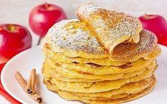 Творожно-яблочные блины с корицей