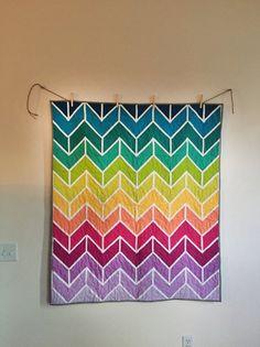 Chevron Quilt Pattern, Quilt Patterns, Sewing Patterns, Sewing Ideas, Crochet Pattern, Quilt Storage, Rainbow Quilt, Foundation Paper Piecing, Book Quilt