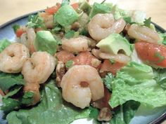 15-Minute Shrimp and Avocado Salad #Recipe #Dinner