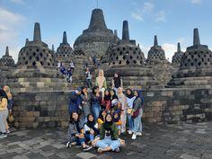 Borobudur Temple, Beauty Contest, Hijab Fashion, Ulzzang, Squad, Besties, Prince, Louvre, Traveling