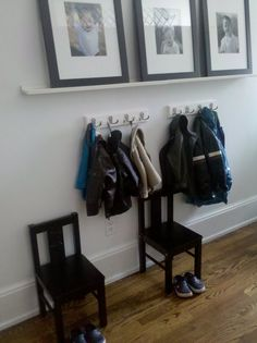 Look! An Entryway For The Kids 2019 I like the idea of the multiple hooks for each kid and the chairs for them to get ready with. The post Look! An Entryway For The Kids 2019 appeared first on Entryway Diy. Kids Coat Hooks, Narrow Shelves, Entryway Organization, Entryway Storage, Small Entryways, Hallway Decorating, Small Apartments, Mudroom, Getting Organized