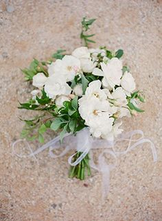 Lush white and green bouquet Bardzo biały bukiet
