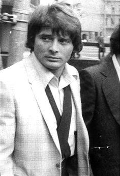 Salvatore 'Sammy the Bull' Gravano when he was starting out a degenerate killer. And a freakin RAT 🐀 🔫😠😁 Italian Gangster, Real Gangster, Mafia Gangster, Mafia Crime, Mob Wives, Mafia Families, Al Capone, All I Ever Wanted, Crime