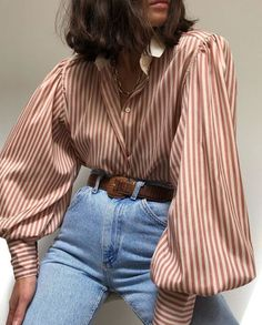 The only summer outfits guide to give you all the inspiration you need. The summer outfits guide 2019 is back with a new selection of cute outfits for every day Trendy Outfits, Cool Outfits, Summer Outfits, Fashion Outfits, Travel Outfits, Long Shirt Outfits, Fashion Shirts, Fast Fashion, Look Fashion