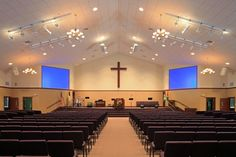 Midwest Church Design + Construction helps churches design and build every square inch of space to grow vital, life-changing ministry. Church Interior Design, Church Stage Design, Church Architecture, Modern Architecture, Colored Ceiling, Ceiling Color, Church Altar Decorations, Auditorium Design, Modern Church