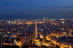 #Barcelona #picture #bynight #Bonavista #underthemoon #stunningcity #view