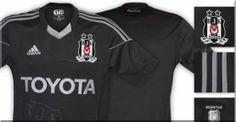 Beşiktaşlı futbolcuların siyah formayı 18 Ağustos Pazar günü Spor Toto Süper Lig'de Trabzonspor ile oynayacakları maçta ilk kez giyeceği kaydedildi