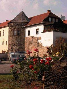 Vác, Hungary: Hegyes torony