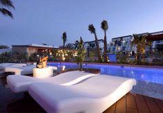 Hard Rock Hotel Ibiza is located right on the beachfront in Playa d'en Bossa. Hard Rock Hotel Ibiza, Ibiza Hotel, Playa Den Bossa, Restaurant Hotel, Ibiza Clubs, Most Luxurious Hotels, Luxury Hotels, Ibiza Beach, Outdoor Retreat