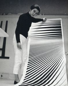 documentassion: Bridget Riley in her Warwick Road studio, London, with cartoon for 'Continuum', Victor Vasarely, Art Moderne, Portraits, Looks Cool, Famous Artists, Optical Illusions, Art Studios, Artist At Work, Art History