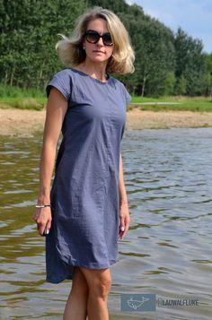 #hotsummerfreebie von Schneidernmeistern. Ein Freebook Sommerkleid. Perfekt für Strand, Urlaub, Sommer, Sonne, Meer und See. Genäht von Blauwalfluke aus sehr luftiger Baumwolle.
