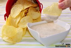 Salsa de queso y pimienta para patatas chips – Food for Healty Appetizer Recipes, Snack Recipes, Snacks, Drink Recipes, Appetizers, Patatas Chips, Salsa Dulce, Salty Foods, Healthy Eating Tips