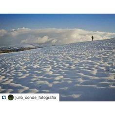 """La ilusión del #invierno por @julio_conde_fotografia """"Desde siempre me ha fascinado la nieve, no se si es por su escasez en mi zona o por que realmente la ADORO..."""""""