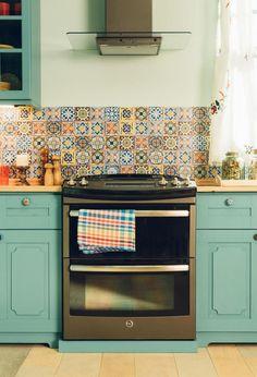 GE Slate Appliances Showcase the Beauty & Not the Fingerprints. Slide in range, double ovens. American Kitchen Design, Modern Kitchen Design, Slate Appliances, Kitchen Appliances, Kitchen Utensils, Kitchen Gadgets, Kitchen Cabinets, Double Oven Range, Double Ovens