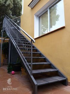 The essence of straight stairs Walks about home decor 243 Exterior Stair Railing, Staircase Handrail, Iron Staircase, Wrought Iron Stairs, Staircase Design, Steel Stairs, Wood Stairs, House Stairs, Outside Stairs