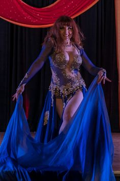 Sakkara Dance is an online course that teaches you how to teach Middle Eastern Belly Dance focusing on its authentic and artistic aspects. The methodology is presented by Jasmin Jahal, a lifetime artist who teaches from decades of professional experience. Prom Dresses, Formal Dresses, Belly Dance, Online Courses, Middle, Pure Products, Artist, Fashion, Dresses For Formal