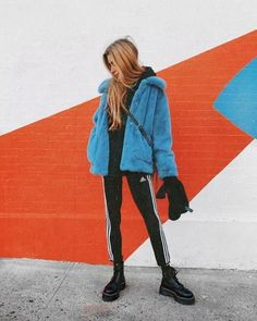 In this era, people without personalities will be nobody and be covered by other… - Kindermode 2020 Cute Teen Outfits, Casual Outfits, Dr. Martens, Fall Winter Outfits, Autumn Winter Fashion, Urban Look, Look Fashion, Fashion Outfits, Fashion Beauty
