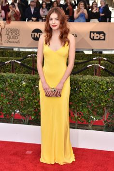 See all of the best red carpet arrivals from last night's 2016 SAG Awards: Hannah Murray