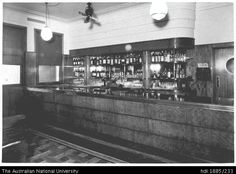 Saloon bar in the Currency Lass Hotel, High Street, West Maitland, NSW Nov 1940 View of a linoleum-topped counter.