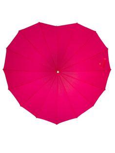 Schützt vor #Regen, strahlt und sieht sogar von oben toll aus: Pinker #Regenschirm in #Herz Form! Toller Begleiter beim #Spazieren oder auf #Festivals!