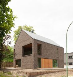 Modern Brick House, Modern Bungalow, Small Buildings, Modern Buildings, Brick Design, Exterior Design, Residential Architecture, Architecture Design, Brick Works