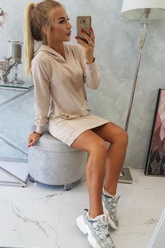 Vezi modele de rochii de zi cu discount de pana la 50% !