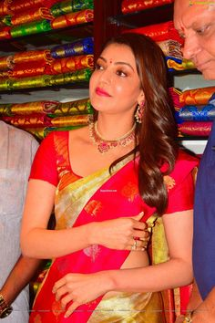 Aunty Desi Hot, Preity Zinta, Queen Pictures, Fake Photo, Picture Collection, South Indian Actress, Shopping Mall, Beauty Queens, Actress Photos