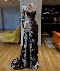 Are you searching for a new prom or pageant gown? Click through to view our dress gallery full of stunning gowns! Are you searching for a new prom or pageant gown? Click through to view our dress gallery full of stunning gowns! Elegant Dresses, Pretty Dresses, Sexy Dresses, Fashion Dresses, Formal Dresses, Long Dresses, Glamour Dresses, Casual Dresses, Glamour Hair