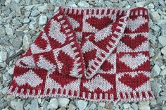 """"""" Love is All Around"""" cowl.  Free pattern on Ravelry.  Double knitting.  This one would be a challenge!!!"""