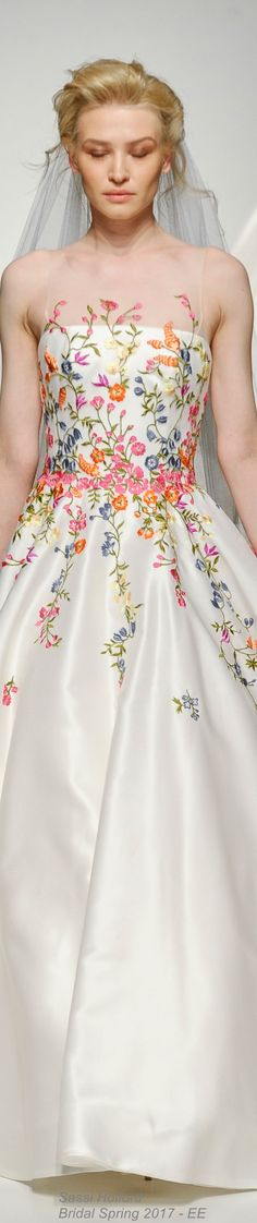Floral spring heaven gown for a light-feeling boho wedding Beautiful Gowns, Beautiful Outfits, Stunningly Beautiful, Bridal Gowns, Wedding Gowns, 2017 Wedding, Boho Wedding, Evening Dresses, Prom Dresses