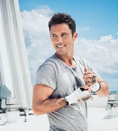 He is just too gorgeous! ❤ Burn Notice