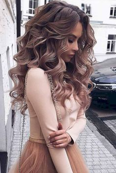 11 so perfect curly hairstyles for long hair ideas - new 11 so perfekte lockige Frisuren für lange Haare Ideen – Neue Besten Frisur 11 so perfect curly hairstyles for long hair ideas - Prom Hairstyles For Long Hair, Long Curly Hair, Hairstyles With Bangs, Wavy Hair, Braided Hairstyles, Wedding Hairstyles, Hairstyles 2018, Hairstyle Ideas, Date Night Hairstyles