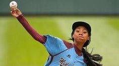 Female Negro League star watches Mo'Ne Davis' complete game shutout - MLB - Sporting News