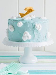 How To Fondant Ice The Top Of A Square Cake