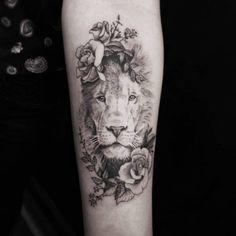 Kickass things cool tattoos for guys, unique tattoos, new tattoos, body art Lion Leg Tattoo, Lion Forearm Tattoos, Lion Tattoo Sleeves, Lion Head Tattoos, Leo Tattoos, Animal Tattoos, Body Art Tattoos, Girl Tattoos, Sleeve Tattoos