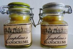 Making your own victorian hand creme. Cleaners Homemade, Natural Make Up, Homemade Beauty Products, Soap Making, Victorian Fashion, The Balm, Lotion, Mason Jars, Beauty Hacks