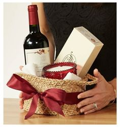 Best Gift Baskets, Wine Gift Baskets, Basket Gift, Wine Gift Boxes, Wine Gifts, Flower Box Gift, Gift Bouquet, Wine Night, Christmas Decorations For The Home