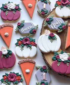Pumpkin First Birthday, Happy First Birthday, First Birthdays, Fall Cookies, Pumpkin Cookies, Cookie Decorating, Decorating Ideas, Flower Sugar Cookies, Birthday Cookies