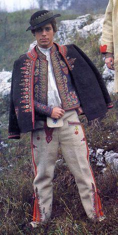 Folk Costume & Embroidery: Costume of the Komanche region, Lemkovyna, Ukraine Ethnic Fashion, Mens Fashion, Fashion Outfits, Ukraine, Costume Ethnique, Folk Clothing, Polish Clothing, Costumes Around The World, Ethnic Dress