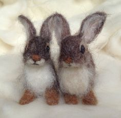 Needle Felted Rabbit Cottontail Baby Young door ClaudiaMarieFelt