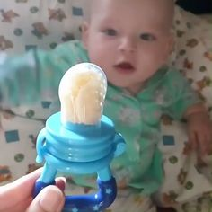 Custom Baby Food Feeder - The Custom Baby Food Feeder is the ideal way to transition baby from breast-feeding or bottle-feedi - Baby Fruit, Cute Baby Videos, Baby Gadgets, Baby Necessities, Baby Teethers, Baby Health, Baby Food Recipes, Baby Bullet Recipes, Baby Puree Recipes