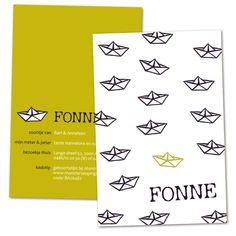 Geboortekaartje Fonne. Heel strak en minimalistisch ontwerp. Papieren bootjes in 2 kleuren. Erg hip geboortekaartje. Little Ones, Hand Carved, Cards, Birth Announcements, Stamps, Baby, Paper, Names, Seals